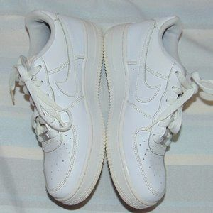 Nike Air Force 1 / AF1 Low all White Sneakers